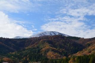 16.11.25里山雪.JPG