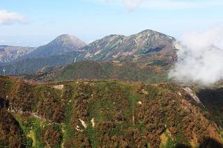 17.10.01妙高山頂から火打&焼山を望む.jpg