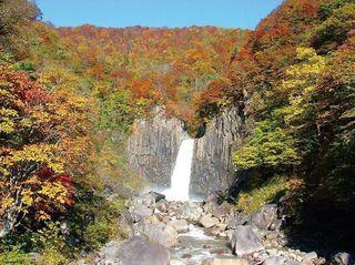 17.11.05苗名滝の紅葉.jpg