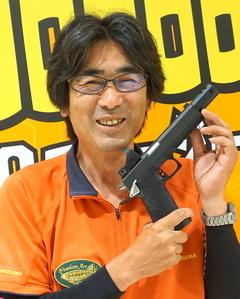 18.07.17-6クニヨシさんの銃.jpg