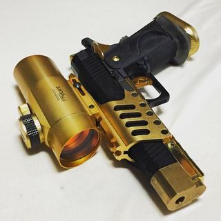 18.12.01黄金の銃を持つ男.jpg