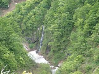 19.05.30滝.JPG